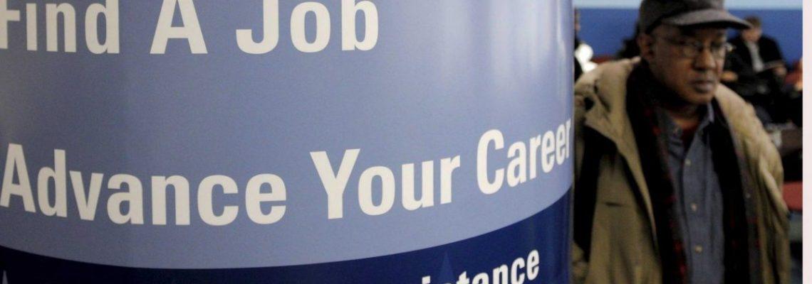 Aumentan en 70.000 las solicitudes de seguro por desempleo en EE.UU.