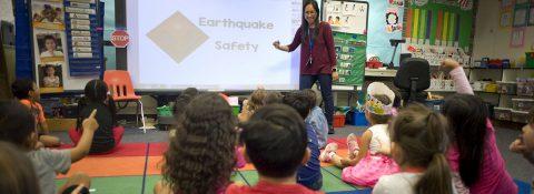 CDC recomiendan cerrar escuelas durante al menos ocho semanas ante pandemia
