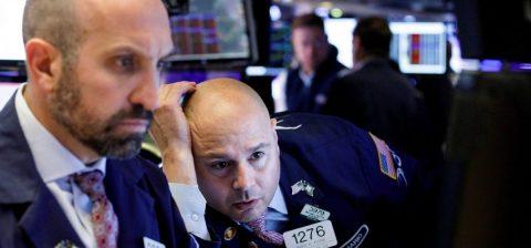 Wall Street amplía sus ganancias por los estímulos y el Dow Jones se dispara 1.100 puntos
