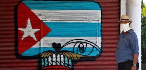 El embargo de EE.UU. frustra el envío a Cuba de mascarillas y pruebas para el COVID-19