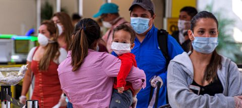 Un vuelo especial desde Florida se lleva a casa a 150 hondureños varados