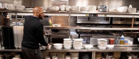 From serving to being served, plight of US restaurant workers amid pandemic