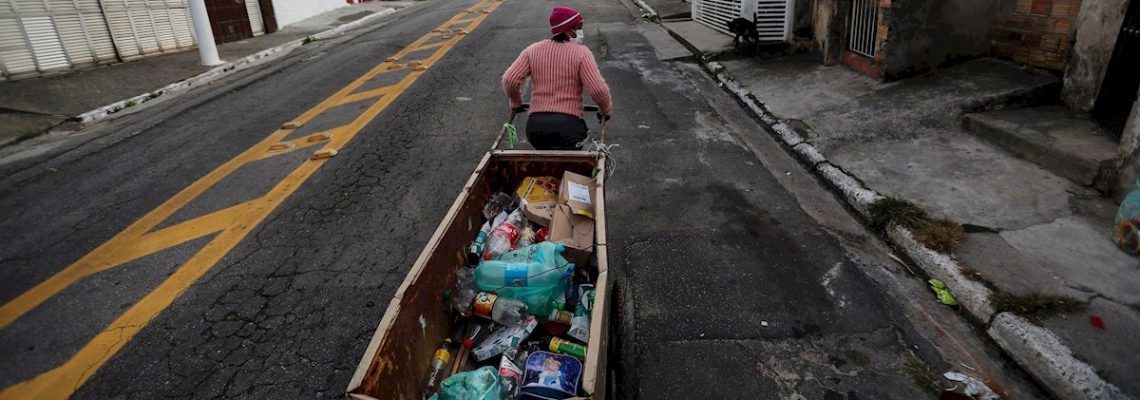 El viacrucis de los recicladores de Brasil: coronavirus, crisis y prejuicios