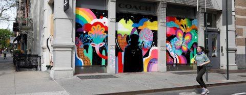 Comerciantes exigen en Nueva York la reapertura de todos los negocios