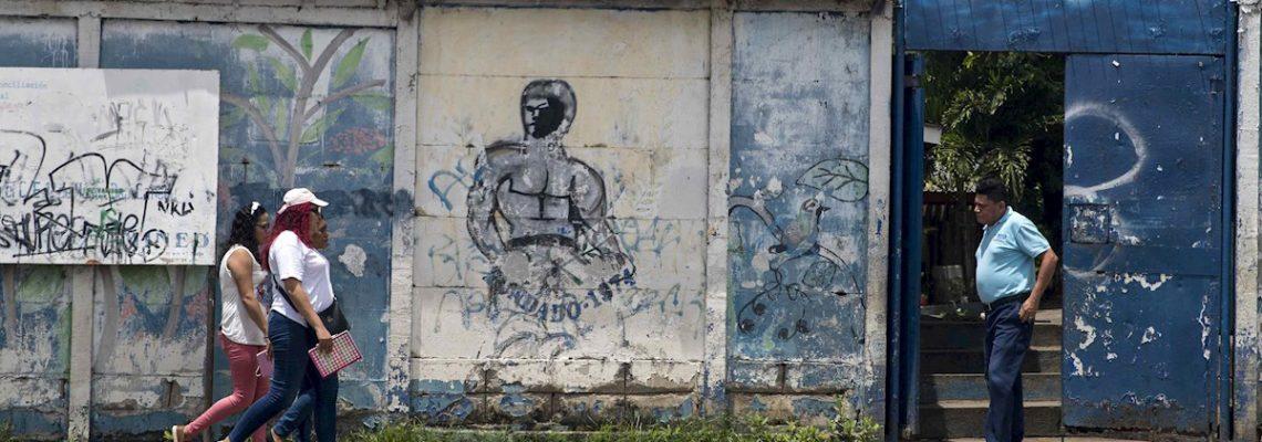 Maestros nicaragüenses celebran su día sin alegrías y con temor a la COVID-19