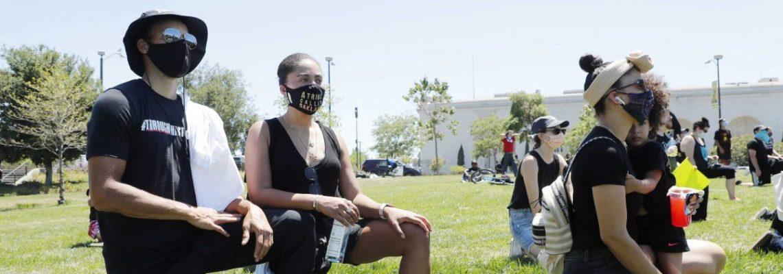 Stephen Curry y Klay Thompson se unen a las protestas por la justicia racial