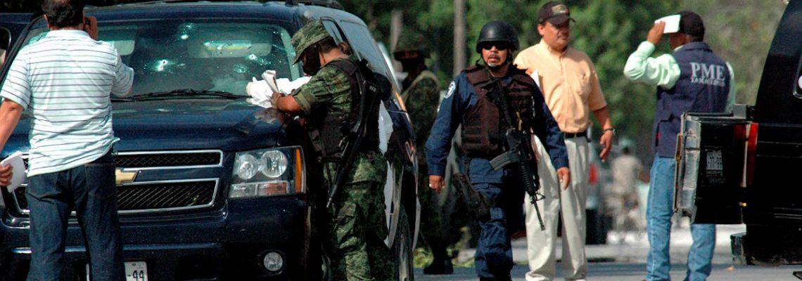 Mueren doce sicarios en un choque con militares en el noreste de México