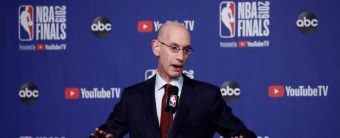 El comisionado de la NBA, preocupado por la posibilidad de positivos de COVID-19 en Orlando