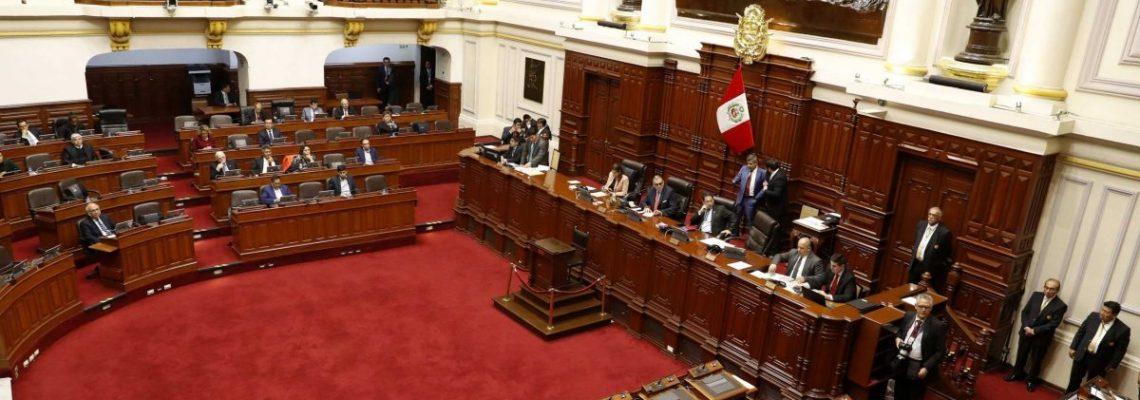 El Congreso de Perú vota quitar la inmunidad al presidente, los ministros y los congresistas