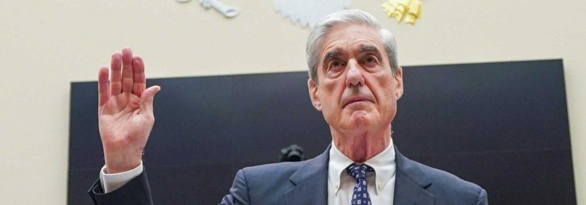 Robert Mueller se defiende después de que Trump conmutara la pena al exasesor