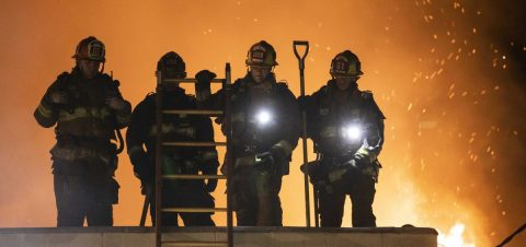 Investigan si el fuego en una misión española en California fue intencionado