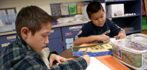 Escuelas de Los Ángeles y San Diego no tendrán clases presenciales en otoño