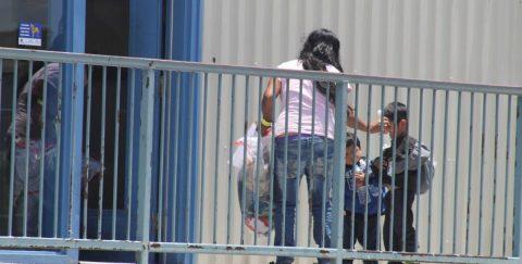 Jueza da otros 10 días al ICE para dejar en libertad a menores migrantes