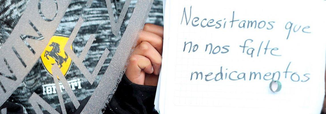 Padres piden pronta solución a desabasto de fármacos oncológicos en México