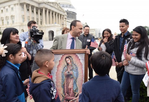 Central American families ask Congress to give asylum, end deportations