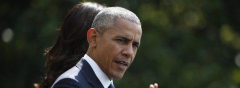 """Obama llama a """"templar"""" la retórica política tras asesinato de tres policías"""
