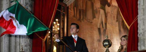 Peña Nieto lanza el tradicional grito de independencia bajo la sombra de la protesta