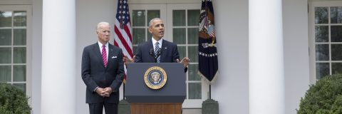 """Obama promises smooth transition despite """"differences"""" with Trump"""