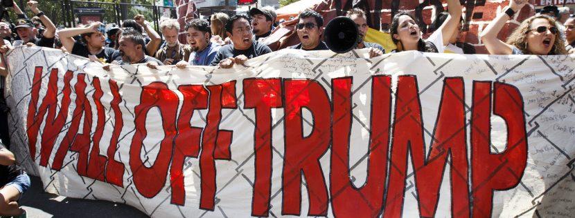 """Los Ángeles pide un """"Alto Trump!"""" en manifestación a favor de indocumentados"""