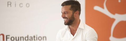Fundación Ricky Martin orienta a universitarios sobre trata de personas