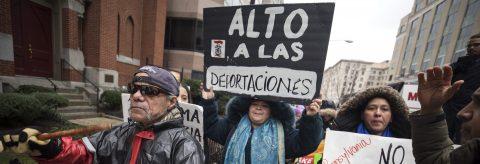 """Inmigrantes de EE.UU. """"en pie de lucha"""" contra política migratoria de Trump"""