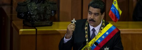"""Maduro signs new """"economic emergency"""" decree to deal with crisis"""