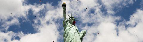 Se extiende a la Estatua de la Libertad controversia de inmigración