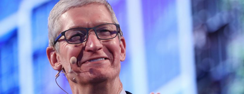 Apple becomes first publicly traded US company to reach $1 trn market cap