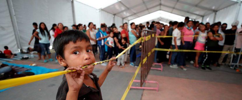 Caravana migrante se agrupa en México con ánimo reforzado para llegar a Estados Unidos