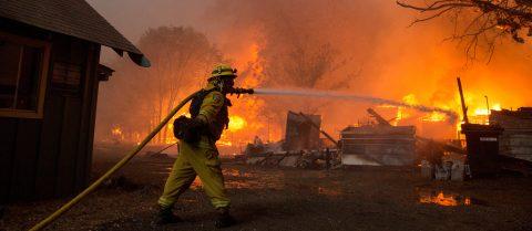 California wildfire grows rapidly, 20,000 evacuated