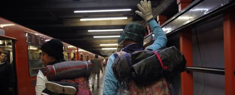 More than 2,000 migrants from CentAm caravan leave Mexico City headed north