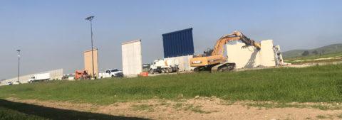 Estados Unidos derriba los prototipos del muro fronterizo de Trump