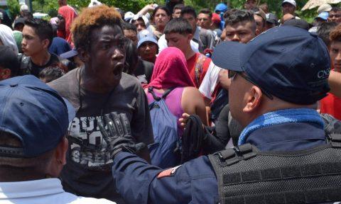 Mexican authorities intercept migrant caravan