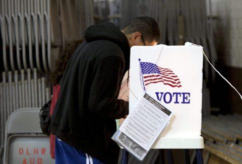 Aumenta registro de hispanos para votar en elecciones 2020
