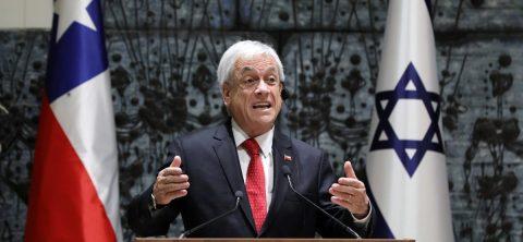 Piñera promulga una ley que hace imprescriptibles delitos sexuales contra menores