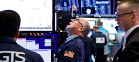 EE.UU. se desacelera al 2,1 % anual y pone la presión sobre la Fed
