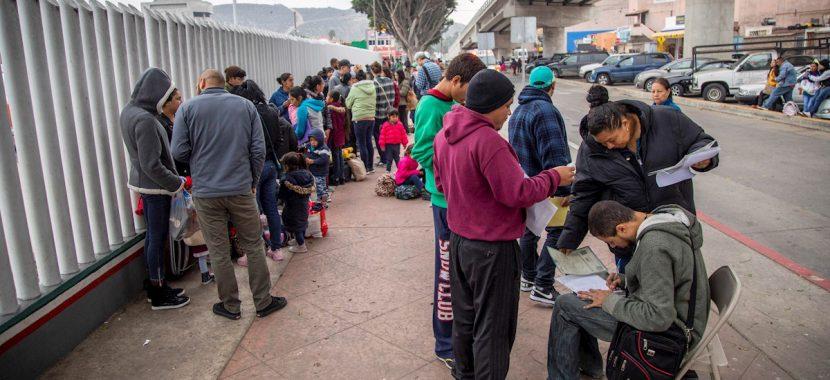 """EEUU levantó un """"muro"""" entre abogados y migrantes en México, dicen activistas"""