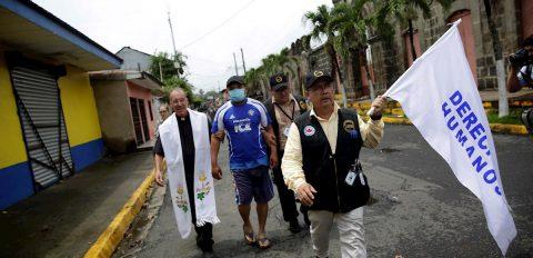 """""""Existe una falsa Navidad"""" en Nicaragua, advierte respetado sacerdote"""