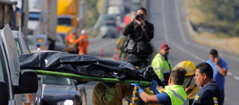Al menos 9 muertos y 12 heridos en accidente en carretera del oeste de México