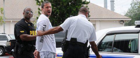 Detienen a presunto autor de ataque a puesto electoral republicano en Florida