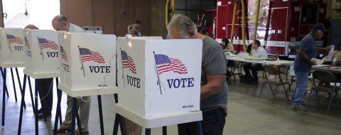 ¿Cómo puedo votar en las primarias de California y por qué es importante?
