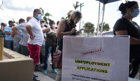 Un récord de 22 millones de nuevos desempleados en un mes de pandemia