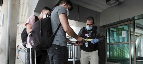 Costa Rica detecta COVID-19 en repatriados de España y en un centro de migrantes