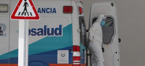 El Salvador tiene cerca de 10.000 casos de COVID y alerta de muertes en casa