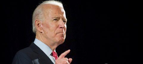 """Biden aplaude que Trump lleve máscara pero dice que """"no es suficiente"""""""
