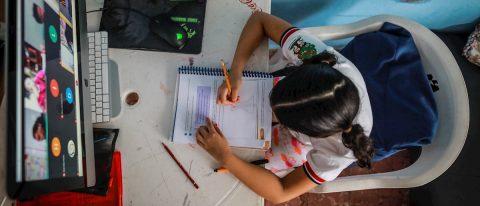 México inicia histórico año escolar en casa con lecciones aprendidas y retos