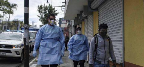 Costa Rica recibe el primer vuelo internacional con turistas durante la pandemia