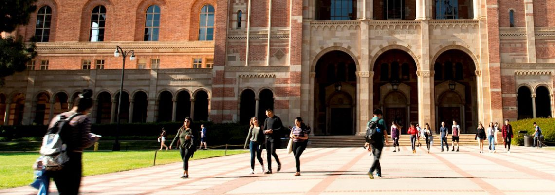 Para los latinos es cada vez más difícil acceder a educación superior en EEUU