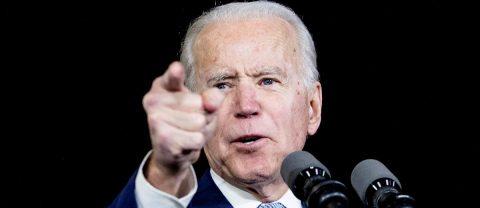 """Biden llama a Trump """"pirómano climático"""" ante incendios en el oeste de EE.UU."""