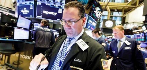 Wall Street regresa a las pérdidas y el Dow Jones baja más de 500 puntos